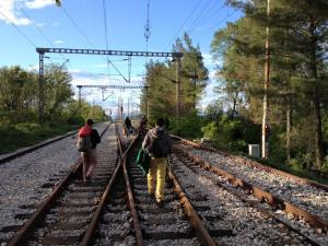 500m from Idomeni, refugees walking along the rail tracks to what is now a tented city #MyRefugeeJourney